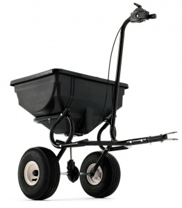 HUSQVARNA 30 kg Towed Spreader